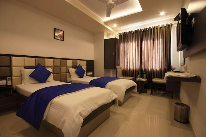 Ashram Road for Corporate Stay