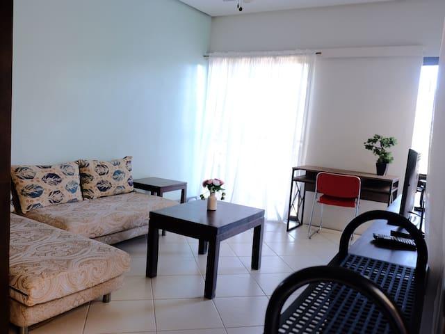 2 Bdr modern room, 4-6pax near Govt Center,#6