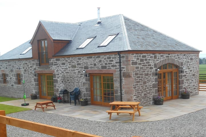 The Distillery Luxury Farm Holiday Cottage