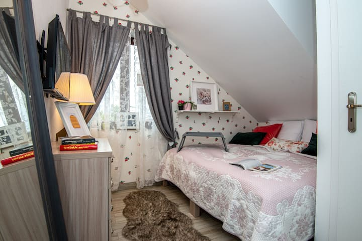 Double room Queen-Bed 200X200 + Breakfast Krakow