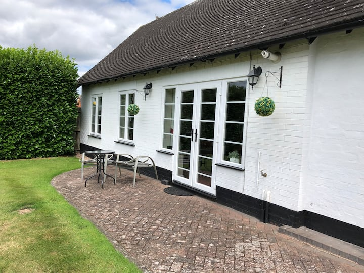 The Burrow at Sunnyhill House, Wychbold :