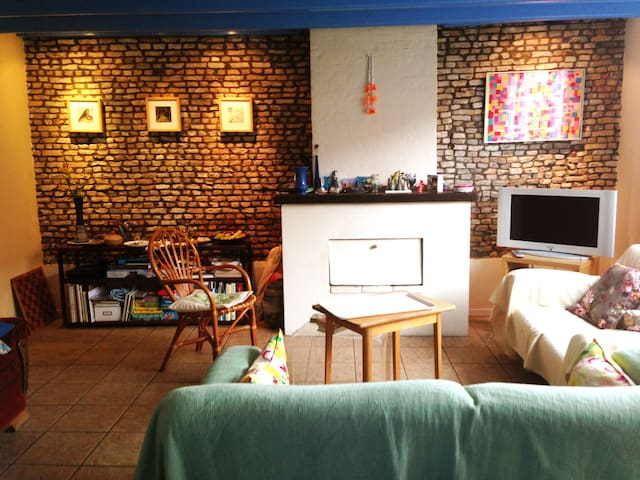 cosy cottage,  3 km from the beach