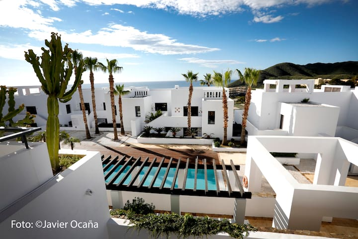 Apartamento en Playa Macenas con seguridad 24hrs.