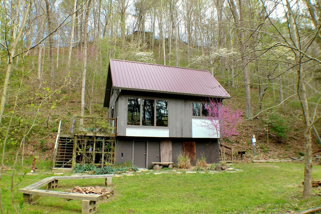 Eagle ridge cabin hocking hills ohio cottages for rent for Eagles ridge log cabin
