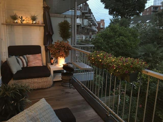 Big 2-story Apartment near city centre Rotterdam