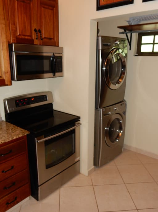 Stove, micro, and full sized washer & dryer