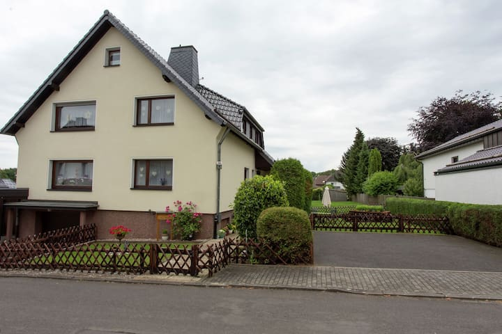 Family friendly house in quiet location near the Eifelhöhe Klink in Marmagen.