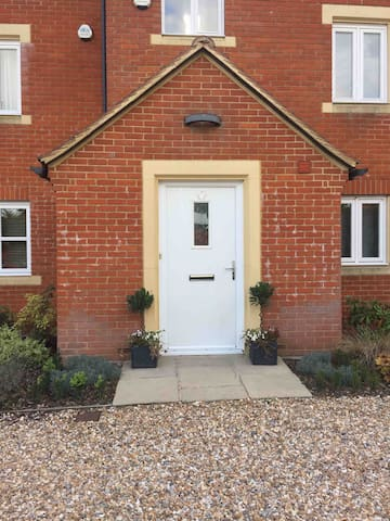 Town House - Double Bedroom & adjoining balcony.