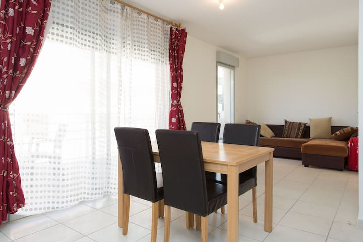 very nice , quiet  new 1 bedroom apartment , 58 m2