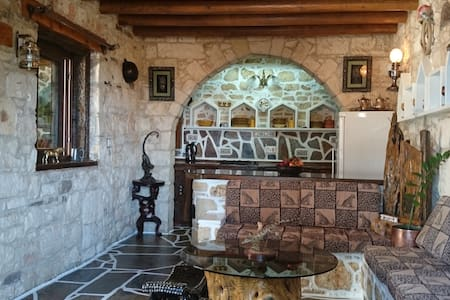Paphos Accommodation - 1 Bedroom - Milia - Villa