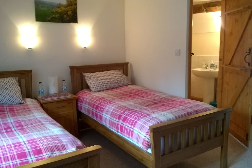 Molly Room - for the single traveller or with a friend