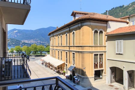 Family suite one step from the lake - Como - Leilighet