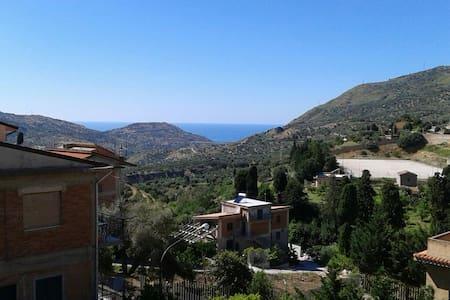 Elegante casa vicino al mare - Pettineo
