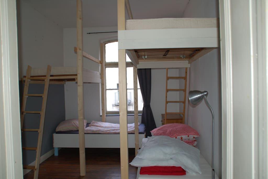 g nstiges bett f r messe wohnungen zur miete in k ln nordrhein westfalen deutschland. Black Bedroom Furniture Sets. Home Design Ideas