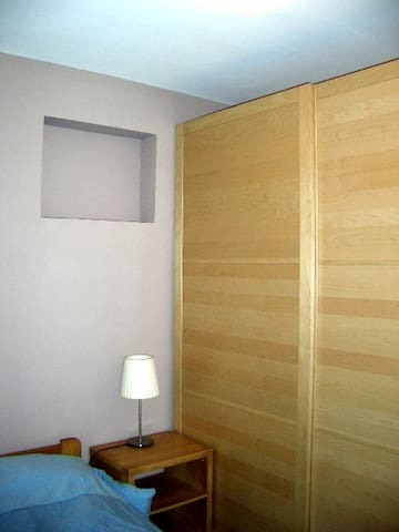 Storage in the bed-room