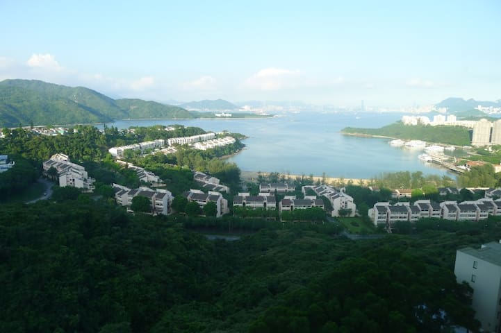 Discovery Bay from the mountain (NOT from the flat).
