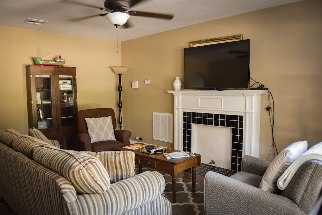 Living room--TV with DirecTV