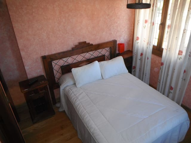 Habitación doble, con baño privado, - Madrid - Bed & Breakfast