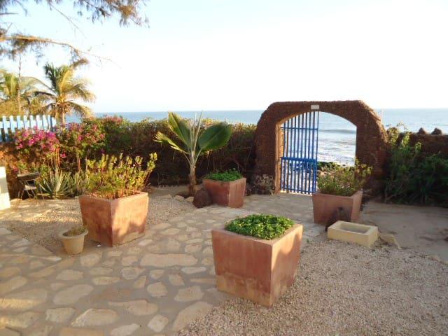 Vivre sur 1 plage Sénégal, expérience unique - Dakar - Casa