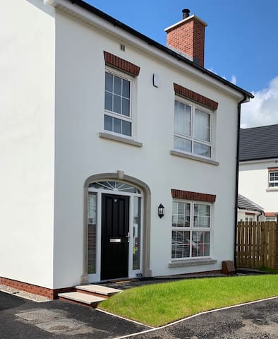 Double Room,Detached New Build,Private Bathroom