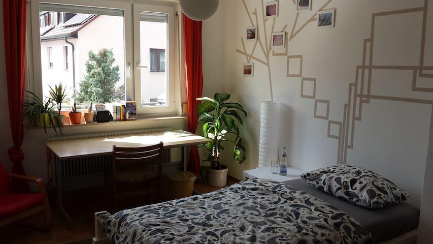 Bilder-Buch-Zimmer - Stuttgart