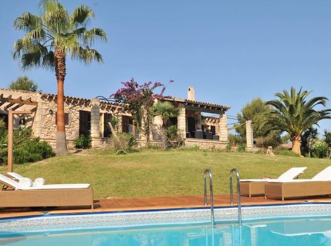Idyllic Finca with Sea-view - Font de Sa Cala - Rumah
