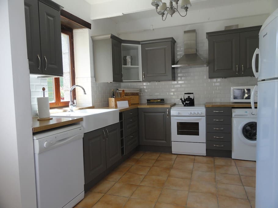 Granary's new fully-equipped kitchen, fitted in May 2015, includes a fridge-freezer, dishwasher and washing machine