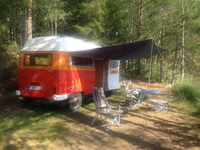 Cute vintage camper van from the 70s - Skarpnäck