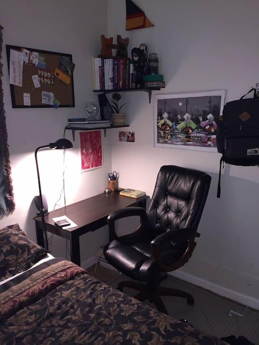 Bedroom - corner desk and desk chair