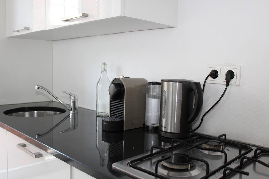 Nespresso Machine & Tea