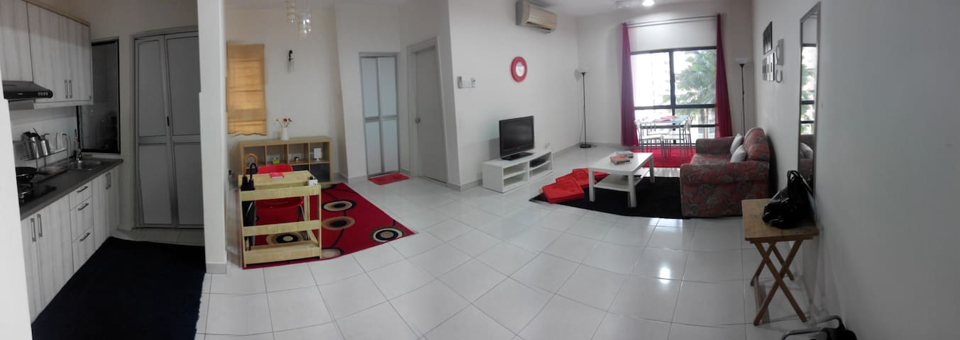 Hispeed internet + 1 week 1 night FREE stay condo! - Petaling Jaya - Apartemen