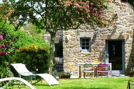 Maison de charme du 18ème siècle - Locronan - Dom