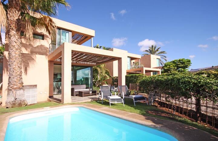 Villa with private pool Salobre Villas III