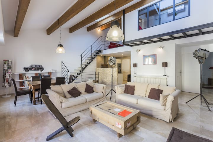Colombet Stay's - Rue Bernard Delicieux 4*