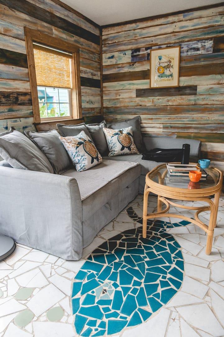 Beach cabin - The Fish