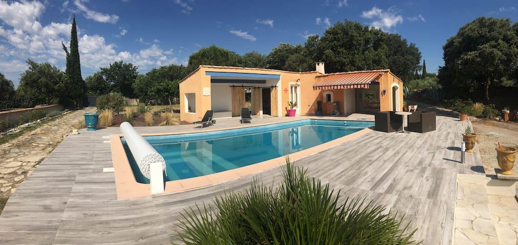 Superbe villa avec piscine près du Lac du Salagou