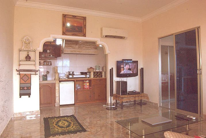 cozy, self-catering apartment - Krong Preah Sihanouk - Apartment
