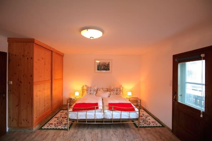 Rent your cottage on Lake Hallstatt - Bad Goisern - House