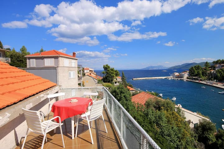 Two bedroom apartment with terrace and sea view Prigradica, Korčula (A-193-b)