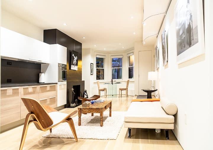 Logan Circle modern one-bedroom apartment, parking