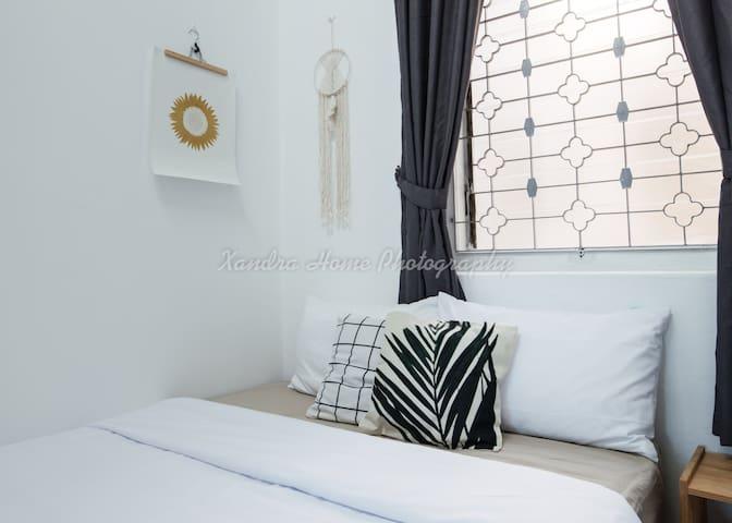Cozy | Modern | Simple Private Room01 @ Georgetown