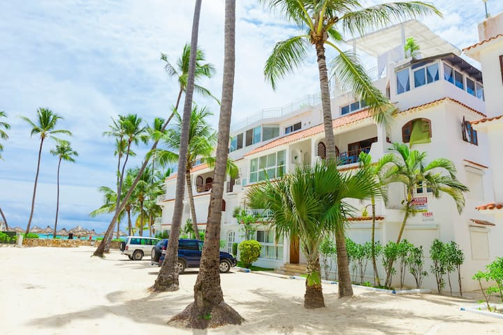 Flor Del Mar 4c. Lovely Secret Private Paradise Right on the Beach!