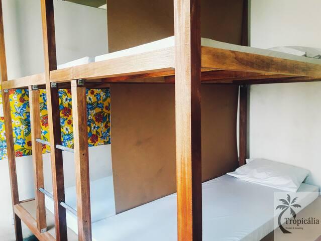 Diária em quarto coletivo masculino no Pelourinho