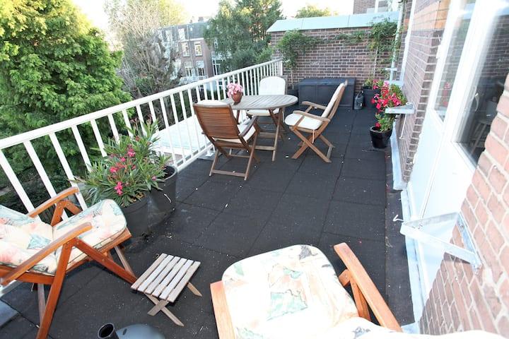 Floor, 2 rooms,kitchen, balcony