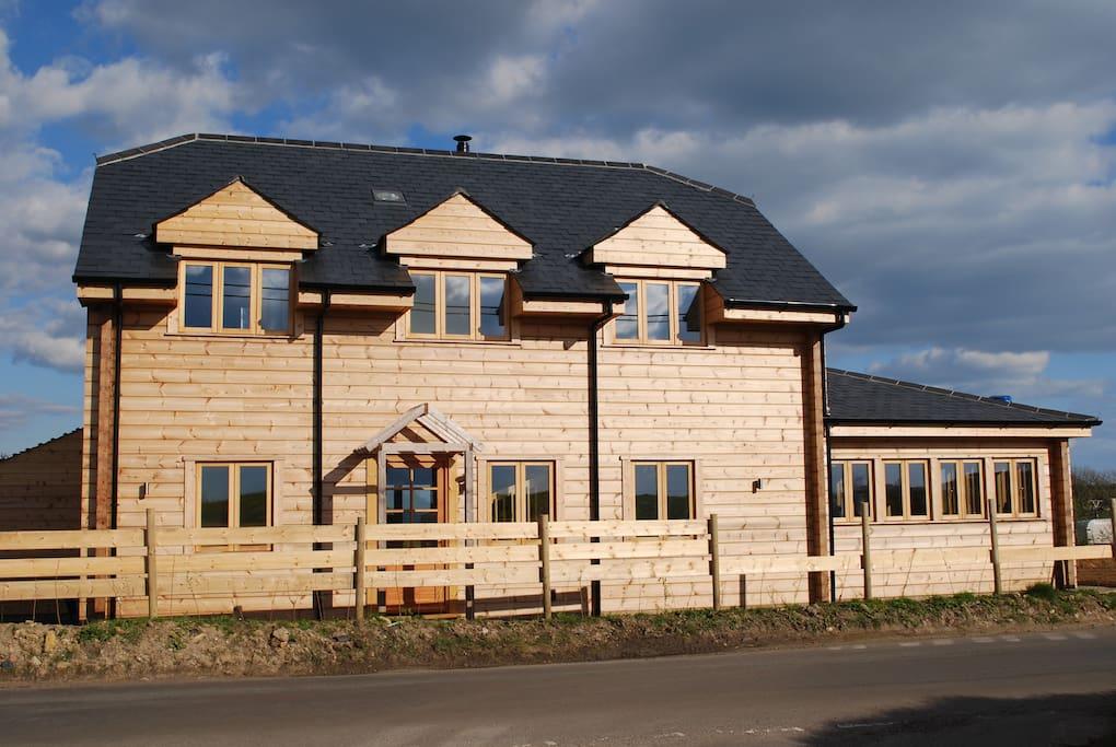 A unique log house in West Dorset
