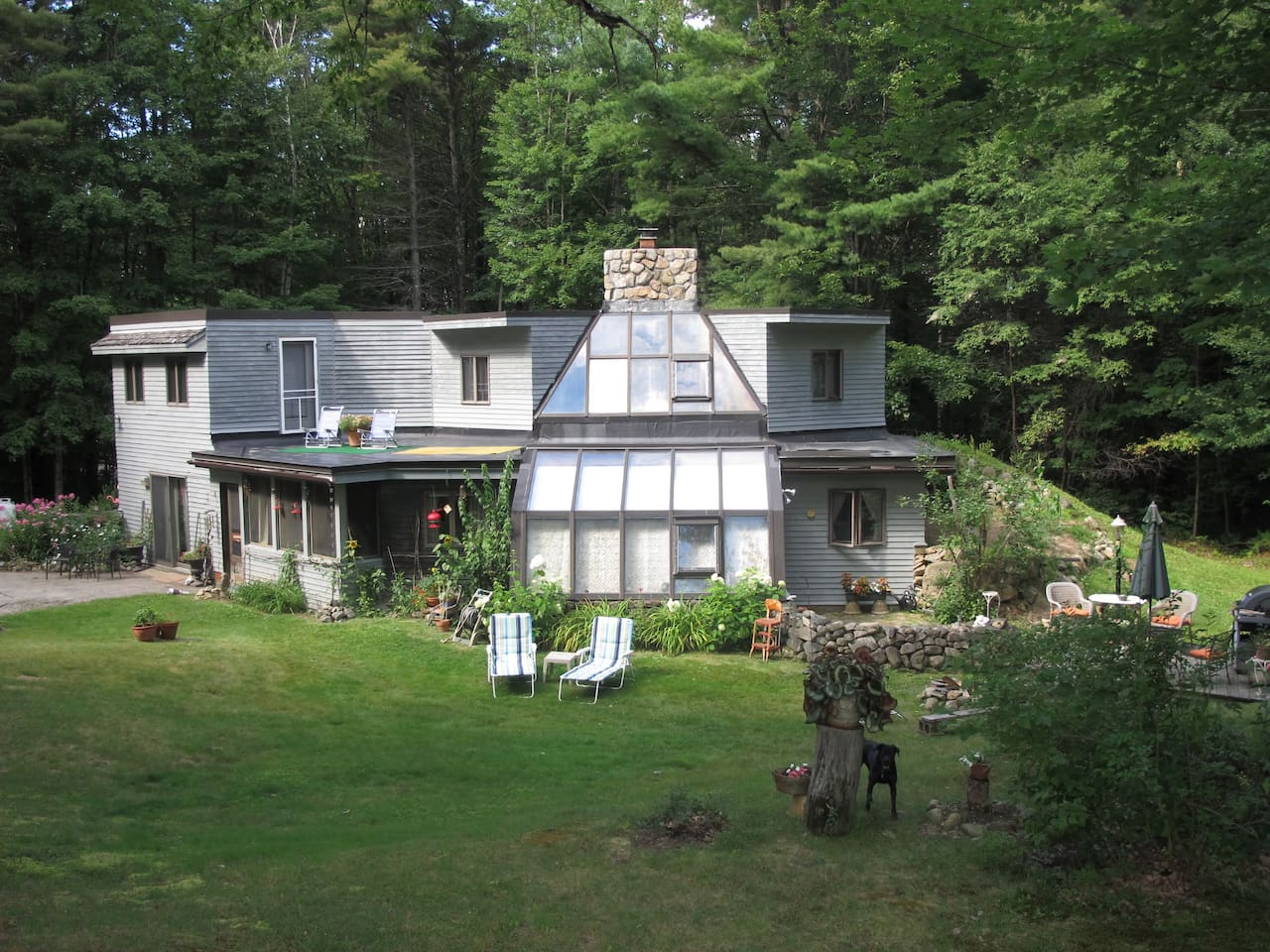 Come and enjoy the experience of our beautiful passive solar home, nestled in the White Mountains. A rural location within driving distance to shopping, restaurants and all outdoor passions.