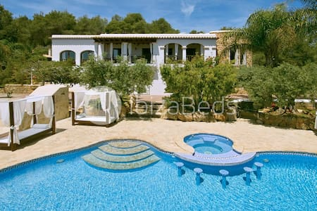 Finca with stuning valley views - Ibiza - Huvila