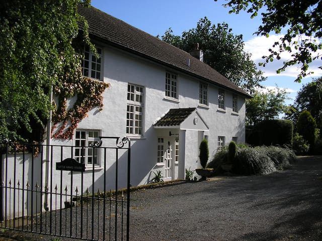 Spacious welcoming country house - Abergavenny