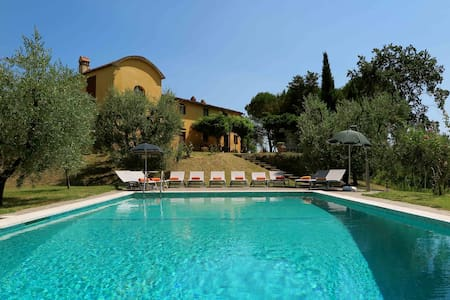 Tuscan Villa for 11 people - Baco