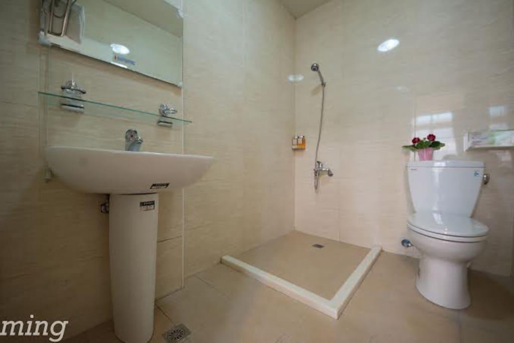 浪漫滿屋衛浴